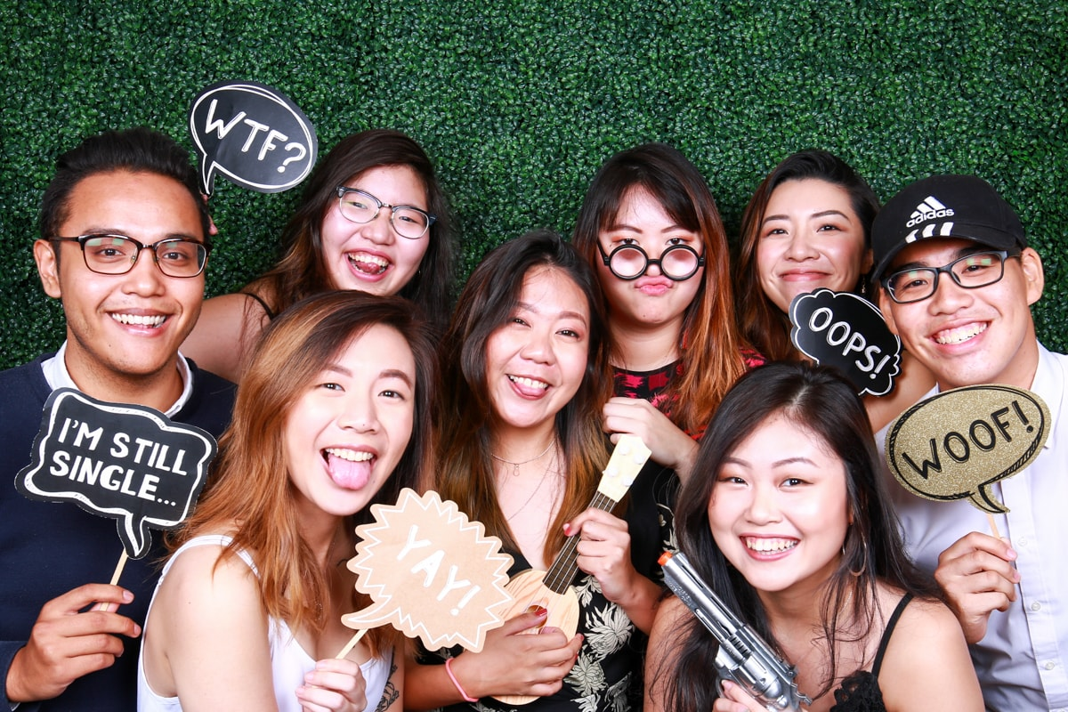 REASONS WHY YOU SHOULD SET UP A PHOTO BOOTH AT YOUR EVENT