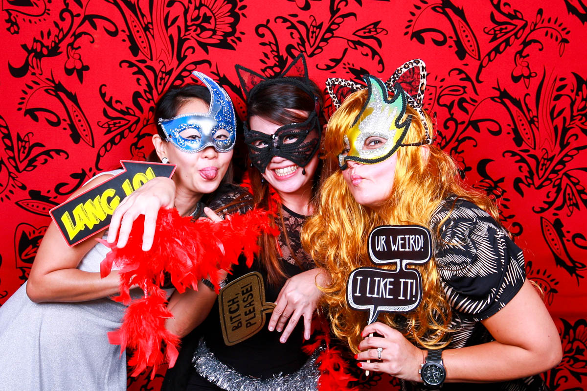 WHY YOU SHOULD SPLURGE ON A PHOTO BOOTH FOR YOUR EVENT