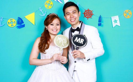 3 WAYS A WEDDING PHOTO BOOTH ENHANCES THE CELEBRATION