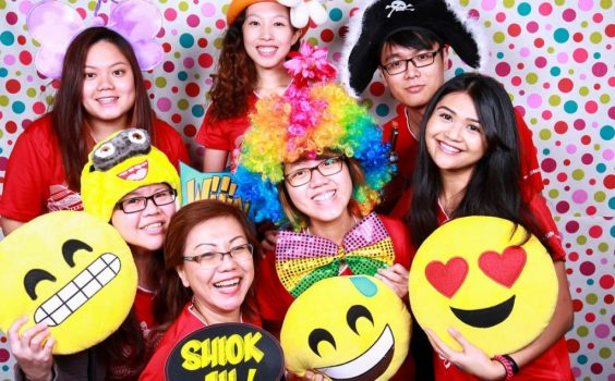 HOW TECHNOLOGY HAS BOOSTED THE PHOTO BOOTH EXPERIENCE