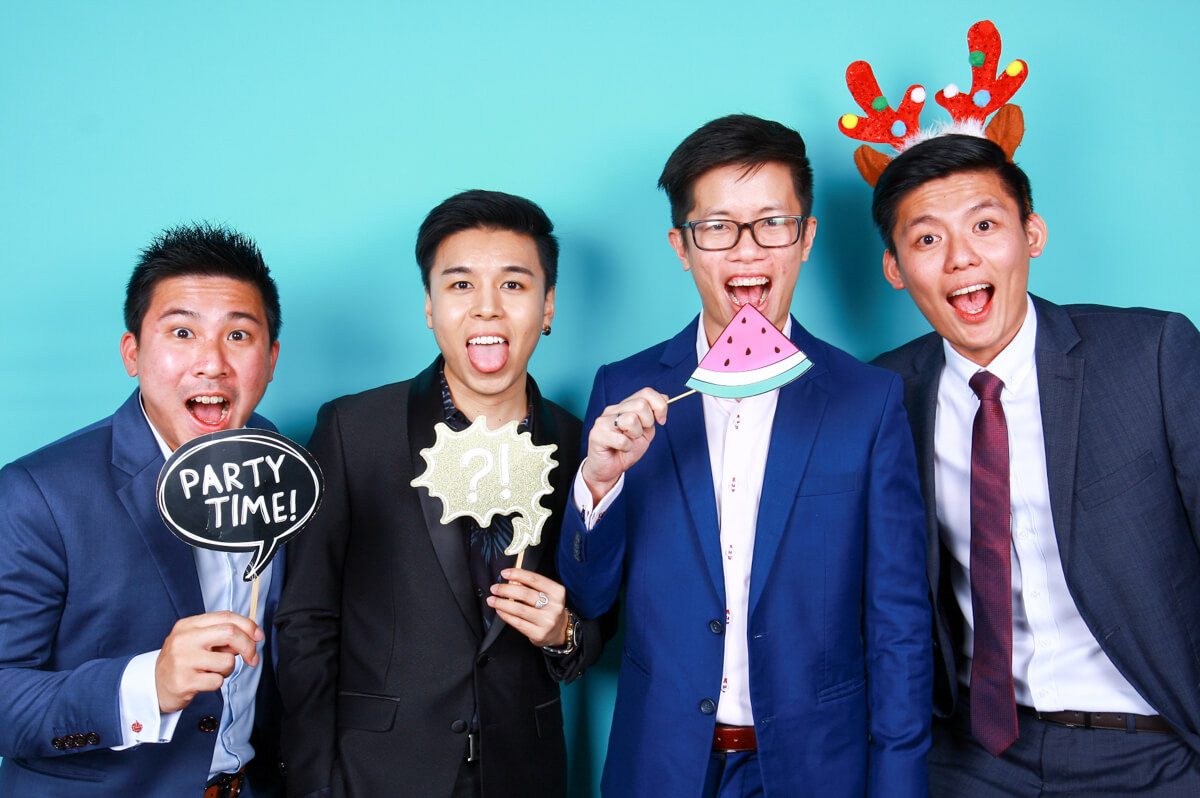 3 THINGS TO NOTE AT YOUR FIRST PHOTO BOOTH EXPERIENCE