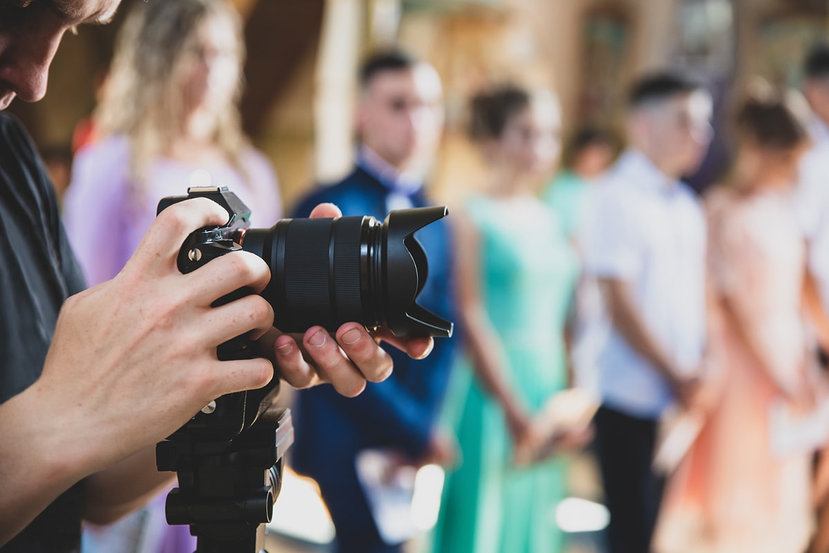 ROVING PHOTOGRAPHY AND ITS RISE IN POPULARITY