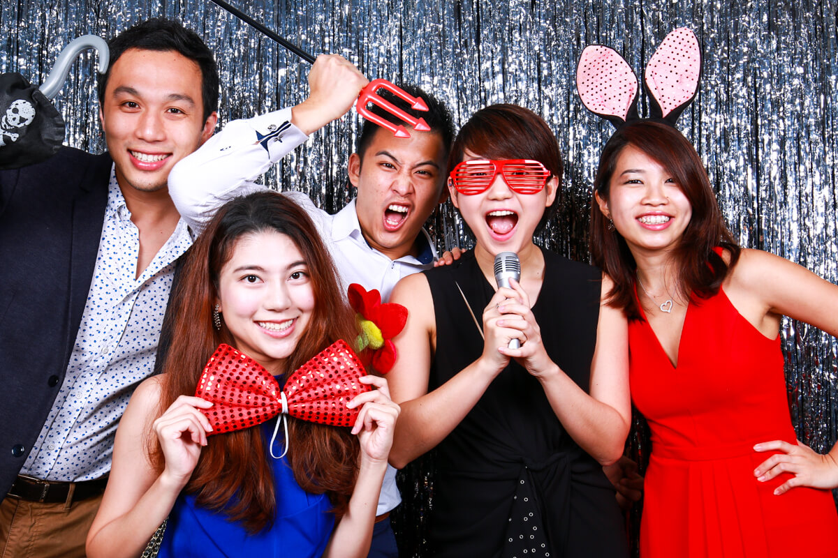 3 TYPES OF EVENTS THAT CAN BE MADE PERFECT WITH A PHOTO BOOTH