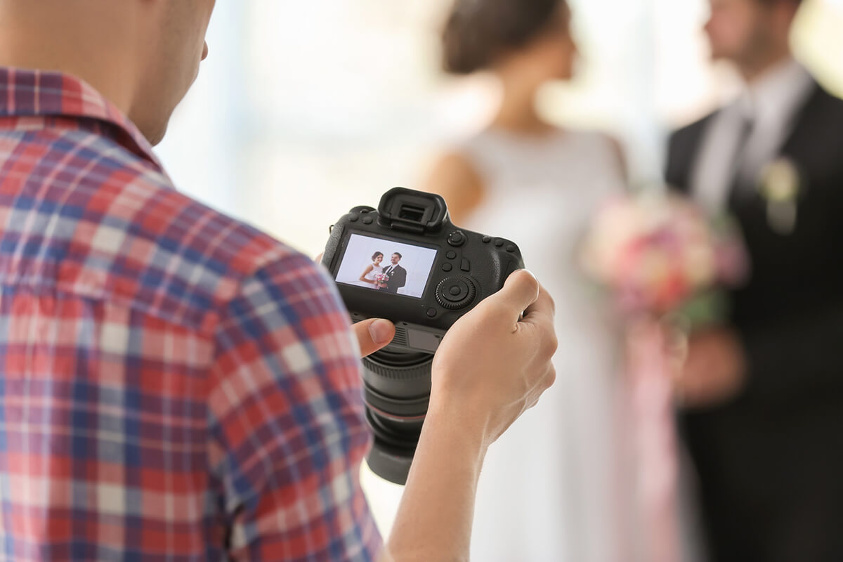 ROVING PHOTOGRAPHY: THE BEST COMPLEMENT TO EVERY EVENT