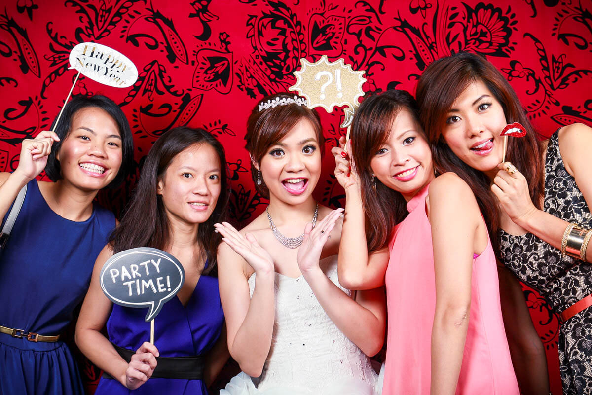 5 TIPS TO HELP YOU MAKE THE MOST OUT OF ANY PHOTO BOOTH
