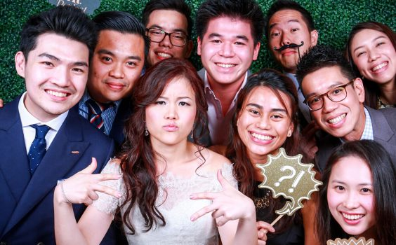 3 FUN THINGS YOUR GUEST CAN DO AT WEDDING PHOTO BOOTHS