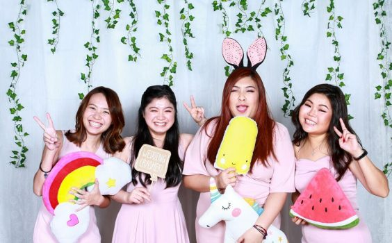 WHAT MAKES CLOUD BOOTH YOUR GO-TO PHOTO BOOTH VENDOR?