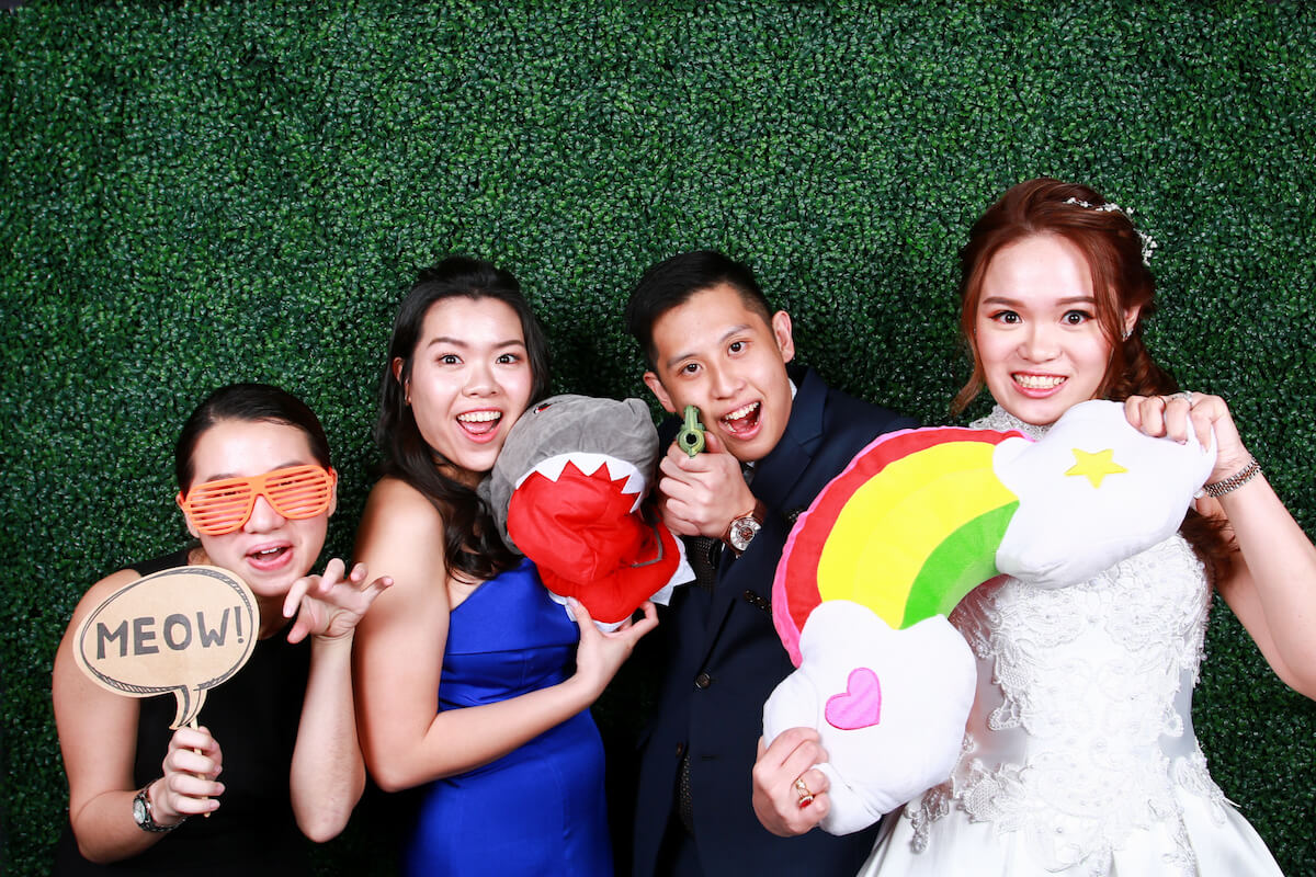 HOW WILL PHOTO BOOTHS ENHANCE THE WEDDING EXPERIENCE?