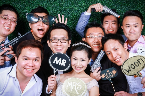 instant-photo-booth-in-singapore-price