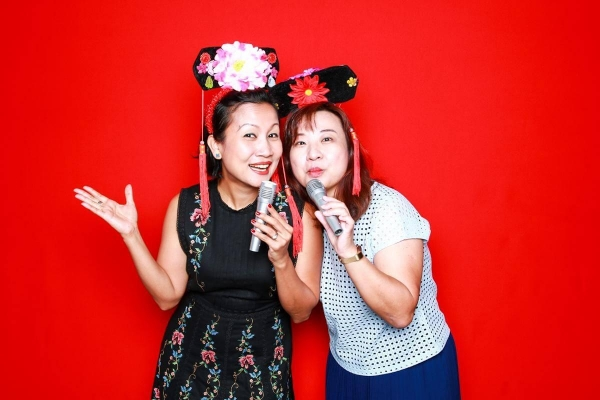 affordable-photo-booth-sg-chinese-props