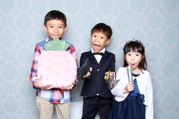 budget-photo-booth-kids